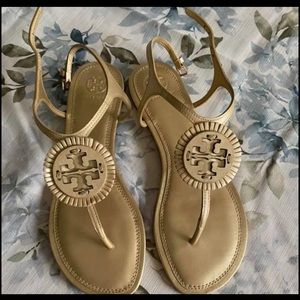 New Gold Tory Burch sandals size 8.5